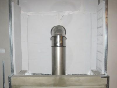 Taśma aluminiowa na rurze kominowej